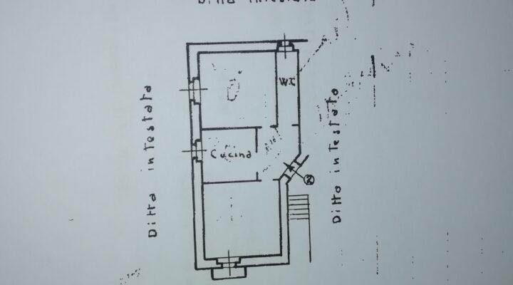 Appartamento via degli aceri, Roma floorplan 2